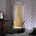 cozy room 1...