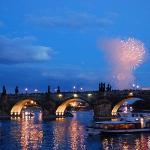 Charles bridge by night (20398396)