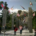 Flag walkway and columns at Mount Rushmore