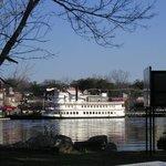 henrietta boat from rivercourt