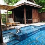 private pool and sala :)