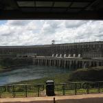 Staudamm des Parana bei Itipe