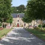 Approaching le Manoir