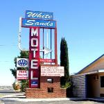My hotel. $44/night, free wifi. Take THAT, Santa Fe Hilton (where I paid $10/day for Internet).