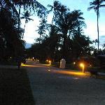 Hotelanlage bei Nacht