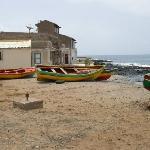 Dans le village, bateaux de pécheurs