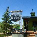 The Motor Lodge sign