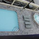 Pool/hot tub on 4th floor roof
