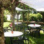 le jardin pour diner ou se reposer