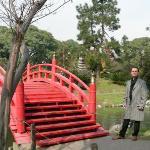 JARDíN JAPONéS    Donado por la comunidad japonesa de Buenos Aires, este paseo reproduce un jar