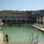 La piscina termale e l'Hotel