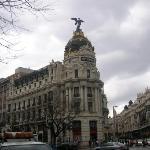 Aquest edifici m'encanta, bueno Madrid m'encanta i els madrilenys/es m'encanten ....