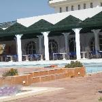 terasse et piscine de l'hotel