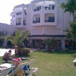 vue de l hotel du bord de la piscine