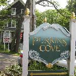 Perkins Cove sign