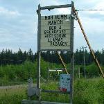Hoh Humm sign at road