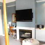 Fireplace and Flatscreen in Room