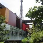 Musee du Quai Branly & Tour Eiffel