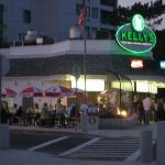 Oh yesssssss......Land at 8:30pm and immediately go to Kelly's for sandwich.  Best roast beef in