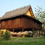 Restaurant Haus vom Elephant Camp am Fluss