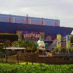 the simpsons ride is called krustyland