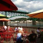 Calhoun's On The River Foto