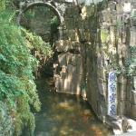 虎丘-剑池(Je sais pas comment traduire en francais...peut-etre:étang de épée?-_-|||)Jardin Huqiu-Suz