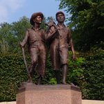 Tom and Huck memorial at the foot of Cardiff Hill.