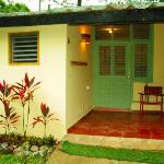 chambre simple avec une belle petite terrasse