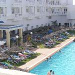 hotel with limited sunbeds