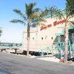 Sugar Barge Restaurant & Bar