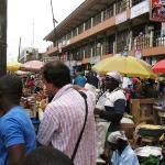 27/7 Kumasi, market