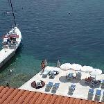 ホテルの船着き場です