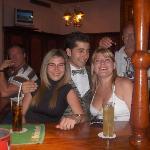 en el bar del hotel la ultima noche