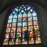 Um dos vários (e belos) vitrais da Catedral