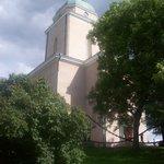 L'église au centre.
