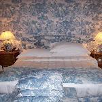 Room 106 Bed