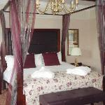 Confortable room - large bed