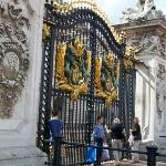 The gates to Buckingham Palace