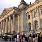 Coooooola para entrar en el Reichstag, una horita....