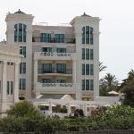 ホテル海岸より