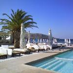 Terrasse et restaurant piscine