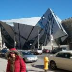 Royal Ontario Museum (ROM) – Lee Chin Gallery designed by Daniel Liebskind