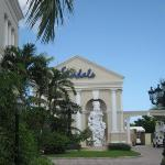 Sandals Royal Bahamian - Entrance