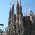El Templo Expiatorio de la Sagrada Familia. Gaudí tenía un estilo raro. Entre que parece q está