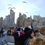 this was just one awsom picture. Farrie to the statue of liberty.