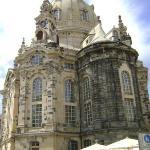 El Frauenkirche. Las piedras negras son las únicas que se salvaron del bombardeo