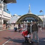 We visited Sanrio Puroland where Hello Kitty is well-known mascot internationally. Li Yi loves H