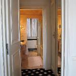 Mediocre Suite Restroom