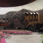 Fantastische Architektur!!! Temppeliauko Kirkko in Helsinki... aus dem Granitboden gehauen